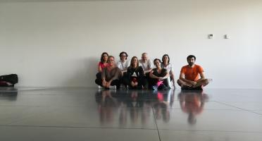 Imagen de asistentes a la formación sobre espalda sana en AST